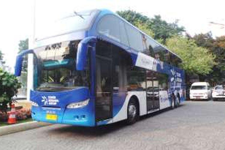 Sebuah bus tingkat wisata dari PT Tower Bersama Infrastructure Tbk kepada Pemprov DKI Jakarta, Jumat (20/5/2016).