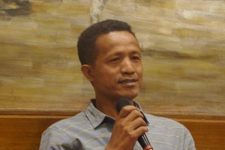 Peneliti Forum Masyarakat Peduli Parlemen Indonesia (Formappi), Lucius Karus dalam sebuah acara diskusi di bilangan Cikini, Jakarta Pusat, Minggu (19/4/2017).