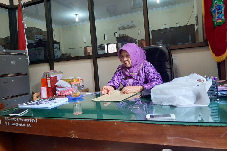 Kepala Dinas Sosial Gunungkidul Siwi Irianti  saat ditemui di kantornya Jumat (14/6/2019).
