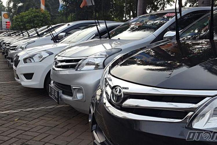 Efek Tahan Harga Bikin Harga Mobil Bekas Turun