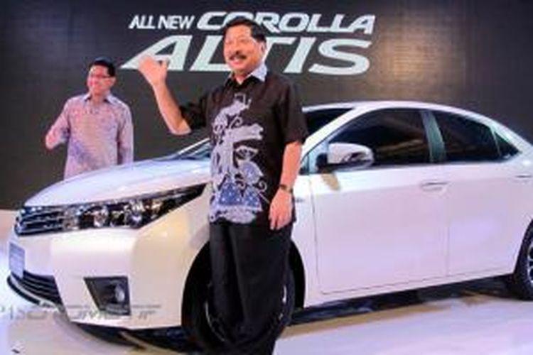Johnny Darmawan (kanan) bersama Rahmat Samulo saat peluncuran All New Corolla Altis.