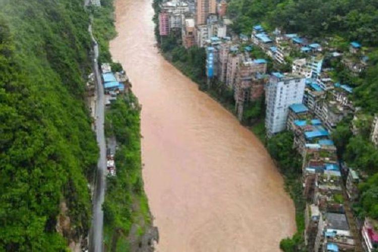 Inilah Yanjin, kota yang dijuluki sebagai kota tersempit di China.