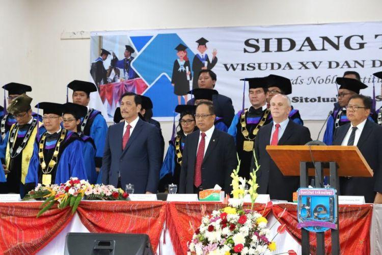 Acara wisuda Institut Teknologi Del, Sitoluama, Toba Samosir, Sumatera Utara (8/9/2018).