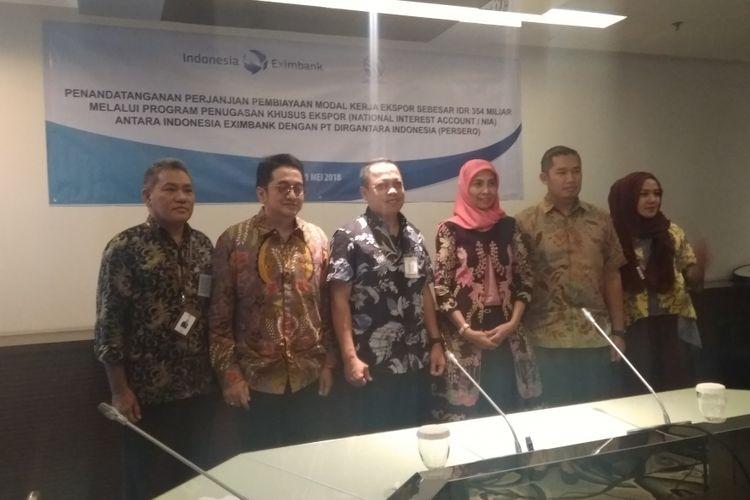 Lembaga Pembiayaan Ekspor Indonesia (LPEI) dan PT Dirgantara Indonesia PT (DI) melakukan penandatangan pembiayaan modal kerja senilai Rp 354 miliar untuk ekspor pesawat, Kamis (31/5/2018).