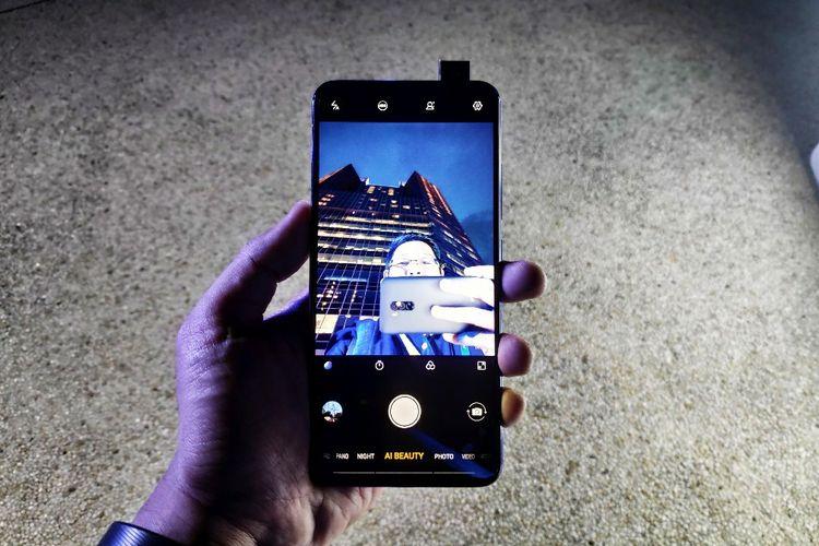 Ilustrasi Vivo V15 Pro dengan pop-up camera