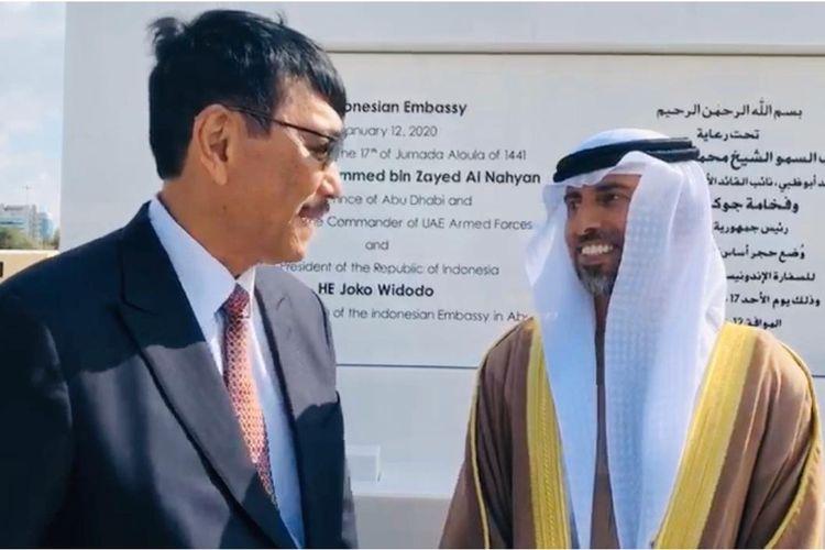 Menko Maritim dan Investasi, Luhut Binsar Pandjaitan tengah berbincang dengan Putera Mahkota Abu Dhabi, Pangeran Sheikh Mohammed Bin Zayed (MBZ), di Uni Emirat Arab, Minggu (12/1/2020)
