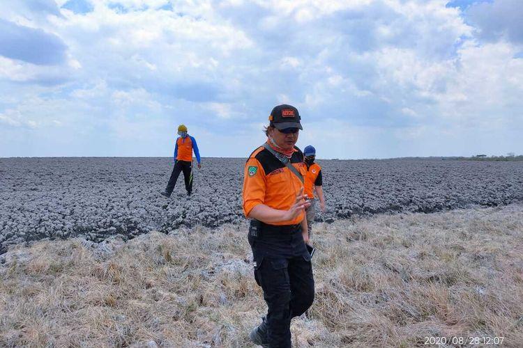 Suasana gunung lumpur (Mud Vulcano) Kesongo dikawasan Kesatuan Pemangku Hutan (KPH) Randublatung, Desa Gabusan, Kecamatan Jati, Kabupaten Blora, Jawa Tengah, Jumat (28/8/2020).