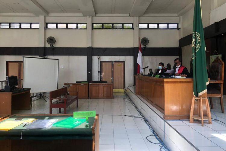 Sidang kasus suap Bupati Muara Enim nonaktif Juarsah digelar secara virtual di Pengadilan Tindak Pidana Korupsi (Tipikor) Kelas 1 A Palembang, Kamis (8/7/2021).