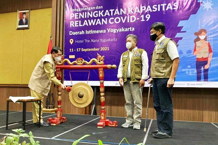 Penggalangan dan Peningkatan Kapasitas 1000 Relawan Covid-19 Daerah Istimewa Yogyakarta (DIY), di Hotel The Alana Yogyakarta, Senin (13/9/2021).