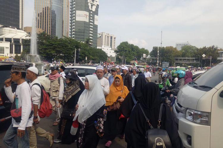 Jamaah Reuni Akbar 212 bubarkan diri, di kawasan Monas, Jakarta Pusat, Senin (2/12/2019).