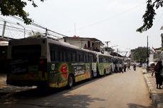 Ada Kabar Eksekusi Lahan, Bus PPD Berbaris dan Petugas Keamanan Berjaga di Depo L Jelambar