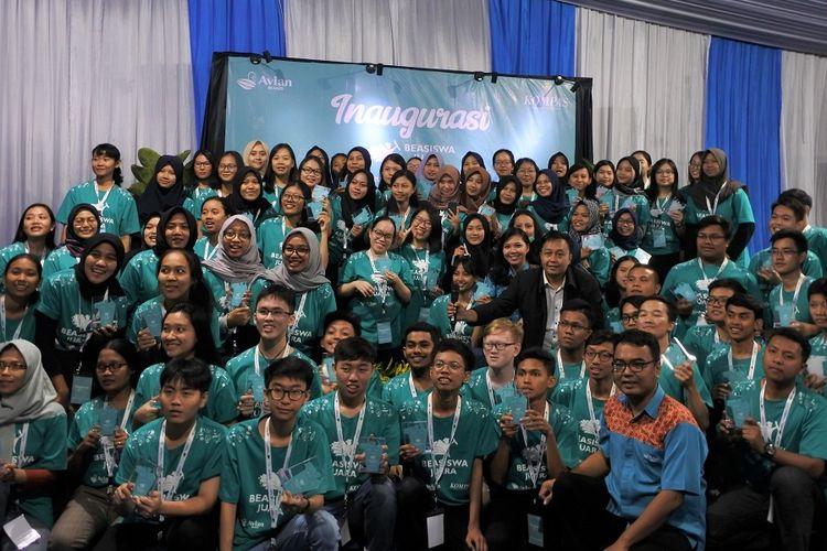 Para pemenang Beasiswa Juara batch 2 dan 3 saat menghadiri acara Inagurasi di Gunung Geulis Campsite, Bogor, pada 1-3 November 2019