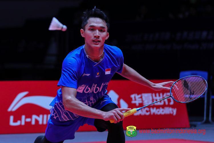 Jonatan Christie saat bertanding melawan Anders Antonsen di BWF World Tour Finals 2019 di Tianhe Gymnasium, Guangzhou, Rabu (11/12/2019).