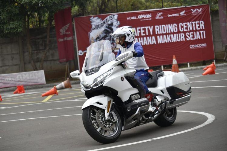 Pelatihan moge di Safety Riding Wahana Center