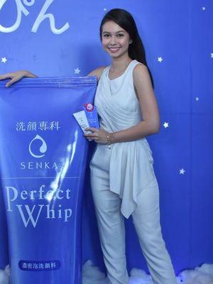 Aktris Yuki Kato, brand ambassador Senka, produk perawatan kulit.