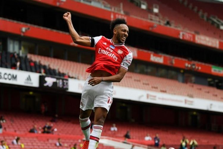 Pierre-Emerick Aubameyang memecahkan rekor Thierry Henry dalam laga Arsenal vs Norwich City pada pekan ke-32 Liga Inggris.