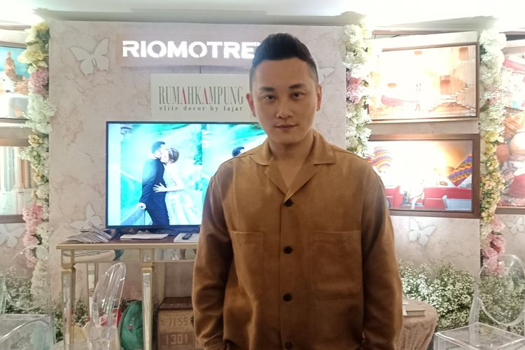 Fotografer Rio Motret ketika ditemui di gelaran Indonesia Dream Wedding Festival (IDWF) 2020 di JCC Senayan, Jakarta, Jumat (17/1/2020).