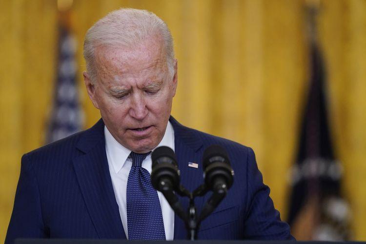 Presiden Amerika Serikat, Joe Biden, berpidato tentang bom Kabul Afghanistan yang menewaskan 13 tentara AS, di East Room, Gedung Putih, Washington DC, Kamis (26/8/2021).