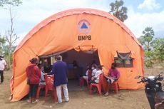 Bidan Desa di Lembata Turun ke Kebun Ajak Pengungsi Badai Seroja Ikut Vaksinasi Covid-19
