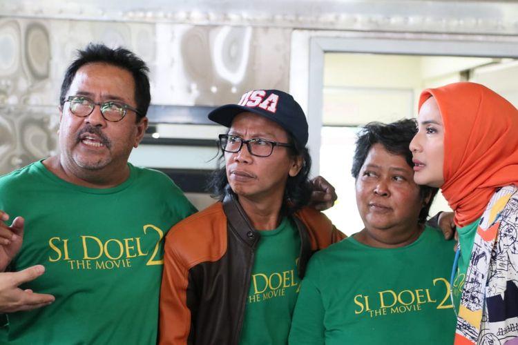 Bintang Si Doel The Movie 2, yakni Rano Karno, Mandra, Suty Karno, Maudy Koesnaedi hadir di Gambir, Jakarta Pusat