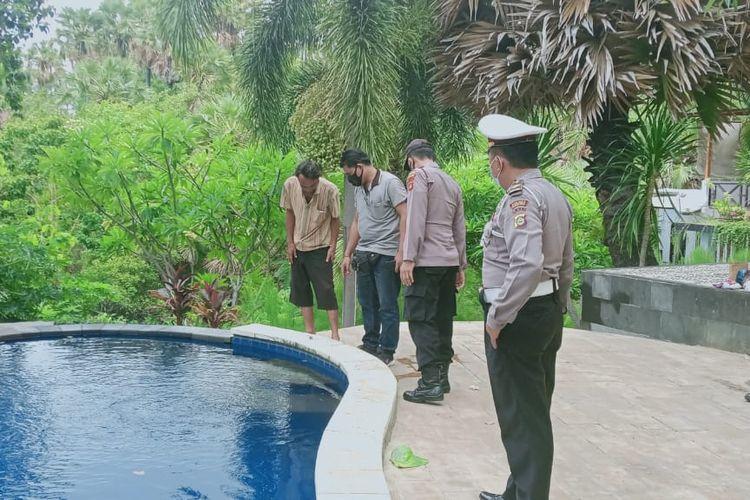 Polisi olah TKP korban meninggal di dasar kolam