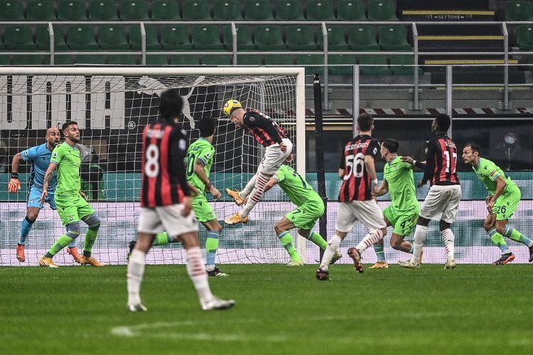 Proses gol penyerang AC Milan Ante Rebic ke gawang Lazio pada lanjutan pekan ke-14 Liga Italia 2020-2021 di Stadion San Siro, Rabu (23/12/2020) atau Kamis dini hari WIB.