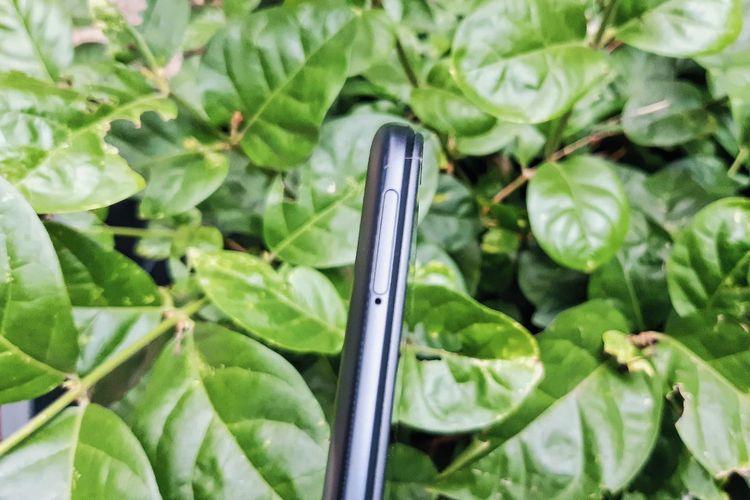 Sisi kiri bodi ponsel Redmi 9A