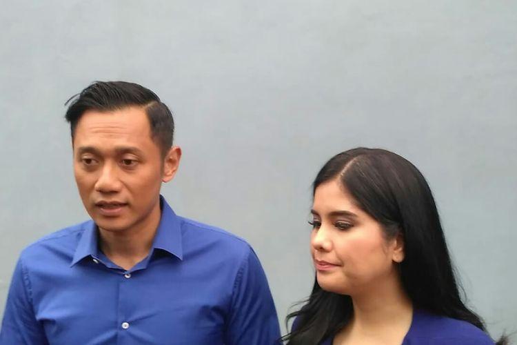 Agus Harimurti Yudhoyono dan istrinya Annisa Pohan saat ditemui usai tampil di salah satu acara stasiun televisi swasta di kawasan Mampang, Jakarta Selatan, Selasa (16/4/2019).