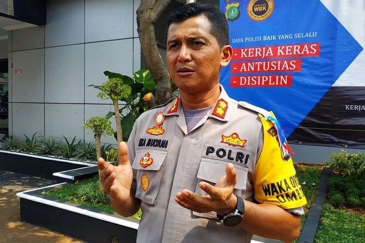 Wakapolres Metro Bekasi Kota, AKBP Eka Mulyana saat memberikan keterangan kepada awak media, Jumat (6/9/2019).