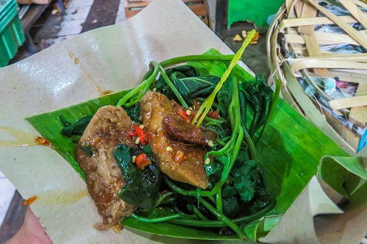 Kuliner brambang asem Khas Solo.