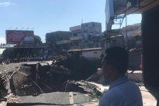 Kompleks Pertokoan di Jalan Sultan Agung Jember Ambles ke Sungai