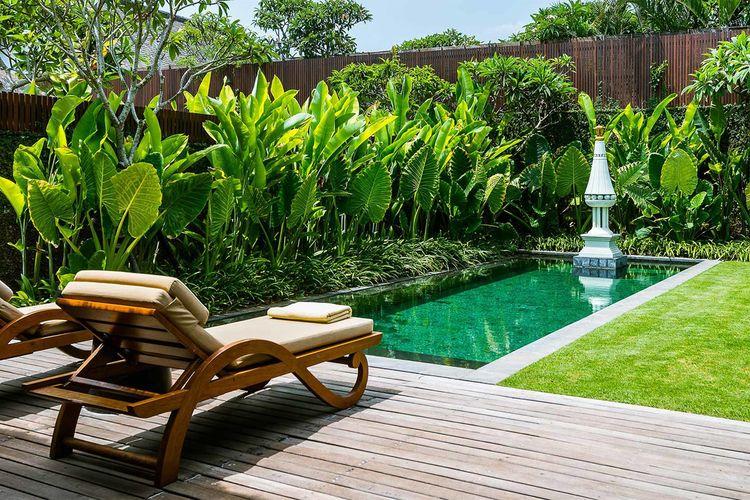 Kolam renang mungil ala hotel di Bali