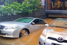 Begini Cara Benar Amankan Mobil Saat Rumah Terendam Banjir