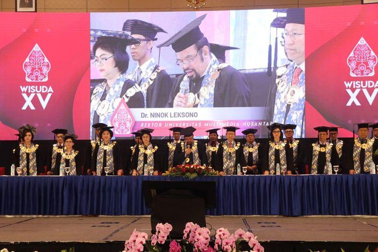 Universitas Multimedia Nusantara (UMN) mewisuda sebanyak 381 lulusan pada seremoni Wisuda XV UMN yang digelar di Indonesia Convention Exhibition (ICE) BSD-Tangerang pada Sabtu (29/6/2019).