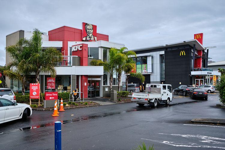 Ilustrasi gerai KFC dan McDonalds di Selandia Baru.