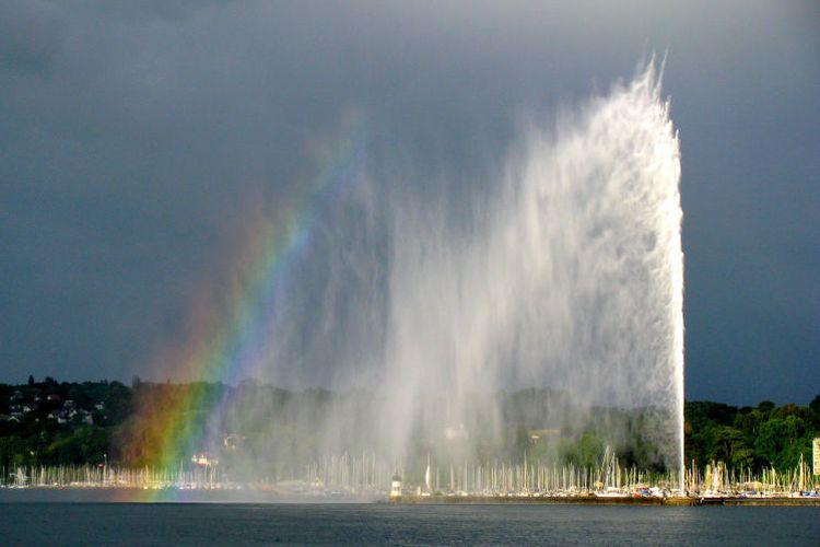 Tempat wisata di Swiss - Jet dEau di Jenewa.