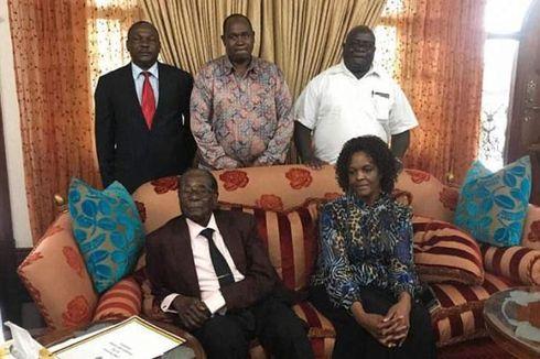 Robert Mugabe Rayakan Ulang Tahun Ke-94 dalam Kesepian