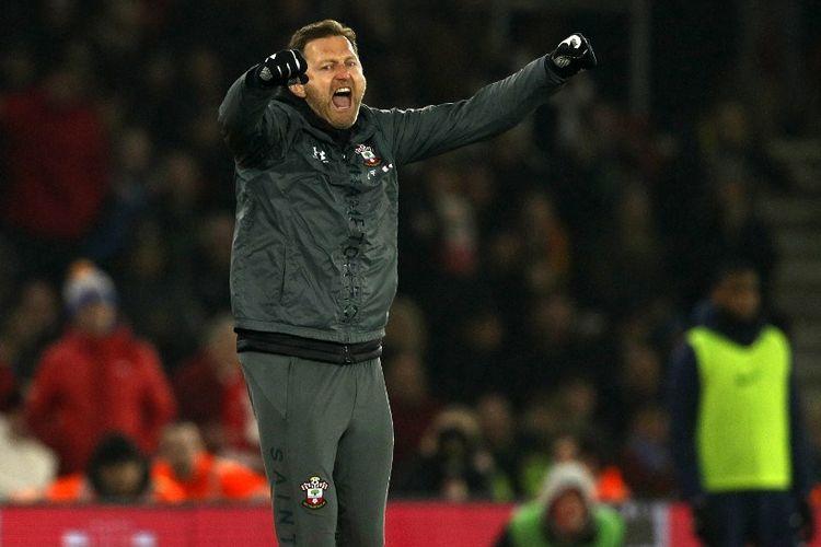 Manajer Southampton, Austria, Ralph Hasenhuttl bereaksi atas kemenangan mereka pada peluit akhir pertandingan sepakbola Liga Primer Inggris antara Southampton dan Tottenham di Stadion St Mary di Southampton, Inggris selatan pada 1 Januari 2020.
