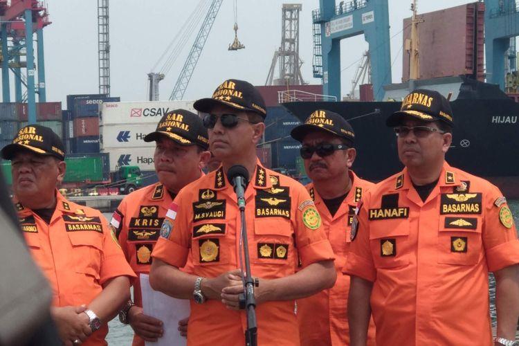 Kepala Badan SAR Nasional (Basarnas) Marsekal Madya TNI Muhammad Syaugi di Pelabuhan JICT II, Tanjung Priok, Minggu (4/11/2018).