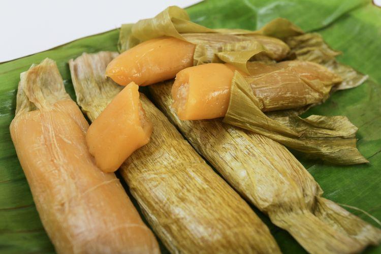 Ilustrasi timphan, kue khas Aceh.