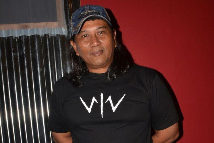 Herning Sukendro alias Ken Ken saat menghadiri konferensi pers film Wiro Sableng di Senayan City, Jakarta Selatan, Rabu (16/8/2017).