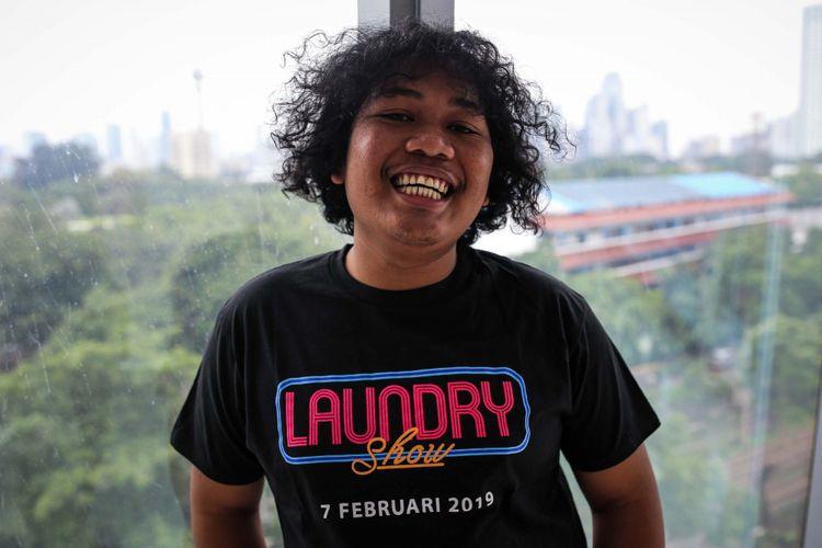 Marshel Widianto berpose saat media visit film Laundry Show di Menara Kompas, Palmerah, Jakarta Barat, Rabu (23/01/2019). Melibatkan sejumlah stand up comedian dan pelawak, film Laundry Show ini akan tayang pada 7 Februari 2019 mendatang.
