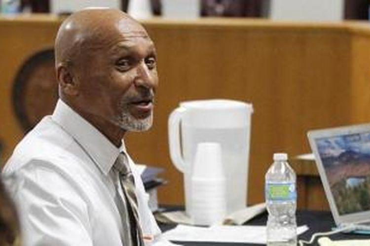 Joseph Sledge (70) dinyatakan tak bersalah dalam sebuah kasus pembunuhan setelah 40 tahun mendekam dalam penjara.