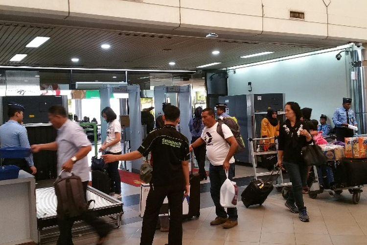 Dua hari memasuki perayaan Idul Fitri 1440 Hijriah, aktivitas penumpang yang akan mudik Lebaran melalui Bandara Hang Nadim Batam, Kepulauan Riau mulai mengalami peningkatan dari hari biasanya.