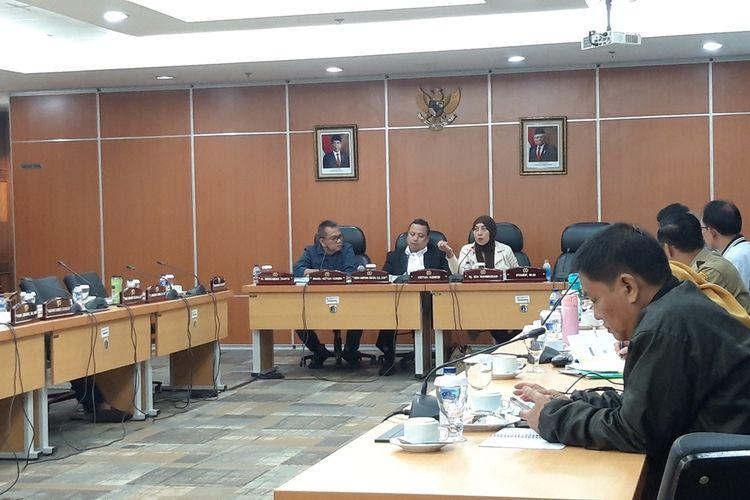 Suasana rapat Komisi D di lantai 1, Gedung DPRD DKI, Jalan Kebon Sirih, Jakarta Pusat, Senin (4/11/2019)