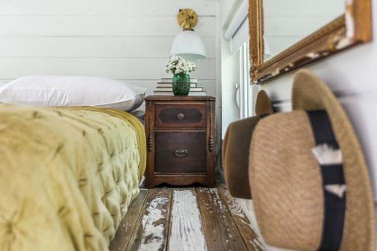 Kamar tidur mungil dengan nuansa vintage