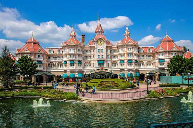 Disneyland Resort Paris Hotel, (16/5/2016).