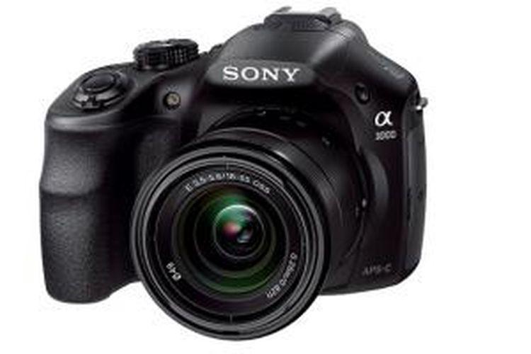 Kamera Sony Alpha 3000 dengan lensa kit 18-55 f/3.5-5.6 OSS