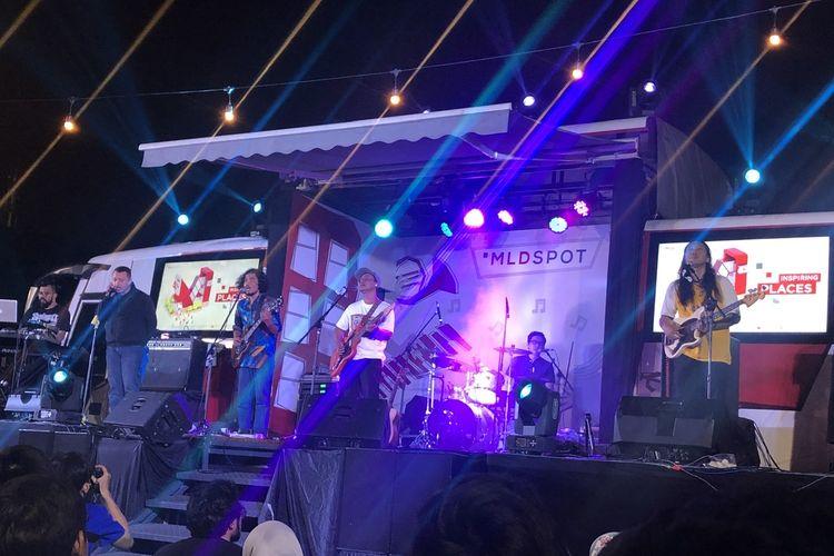 Efek Rumah Kaca di panggung MLD Spot Bus Stage, Jumat (28/2/2020).