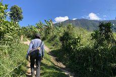 Trekking di Kaki Gunung Salak, Dikagetkan Ular dalam Tiga Babak